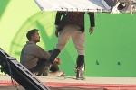 Robert Pattinson Shoots Green Screen For 'Water For Elephants'!